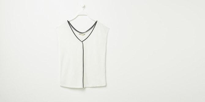 Camiseta con escote en pico (9,99€)