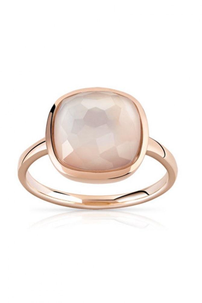 La bague en or rose 375 en cristal de roche nacré, 299 euros sur le site Maty