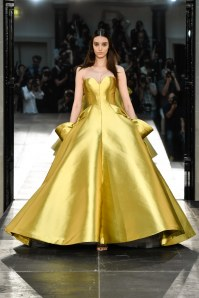 Robe haute couture issue de la collection automne/hiver 2016-2017 Alexis Mabille