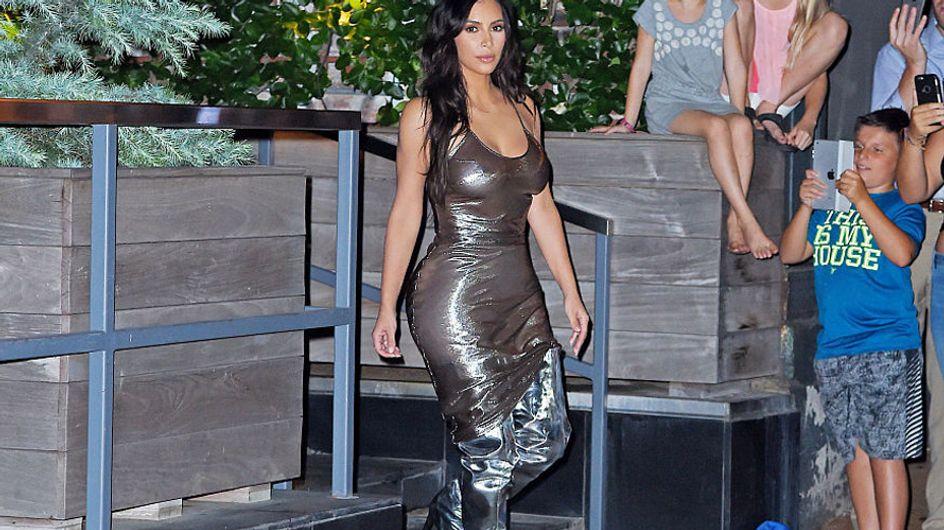 """Kim Kardashian envuelta en """"metal"""", peor look de la semana"""