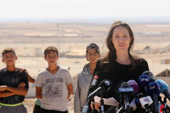Angelina Jolie auprès des réfugiés en Jordanie