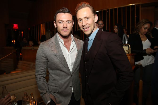 Luke Evans y Tom Hiddleston