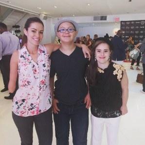 Jude Hass, entouré de Shaholly Ayers et Chelsea Werner