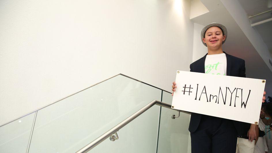 Un adolescent trisomique cartonne sur les podiums de la Fashion Week de New York (Photos)