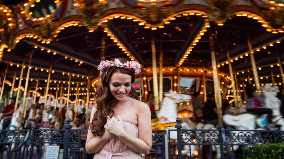 Quittée par son fiancé, elle réalise sa séance photo de fiançailles en solo et se transforme en princesse Disney