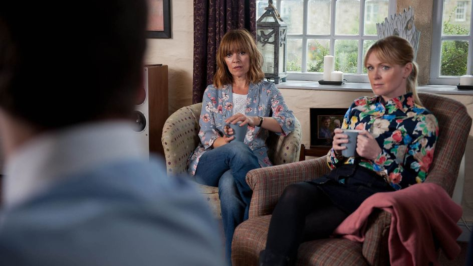 Emmerdale 30/9 - Frank Sweet-Talks Megan