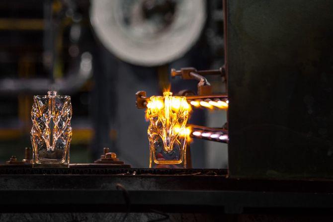 Fabricação dos frascos de perfume