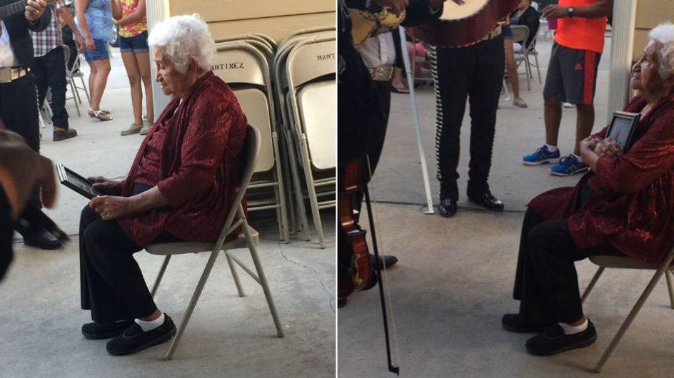 Er war ihr Leben: An ihrem Geburtstag hört sie die Lieblingsmusik ihres verstorbenen Mannes