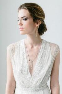 Brautschmuck: Zu reinem Weiß passt Silberschmuck mit Strass-Steinen
