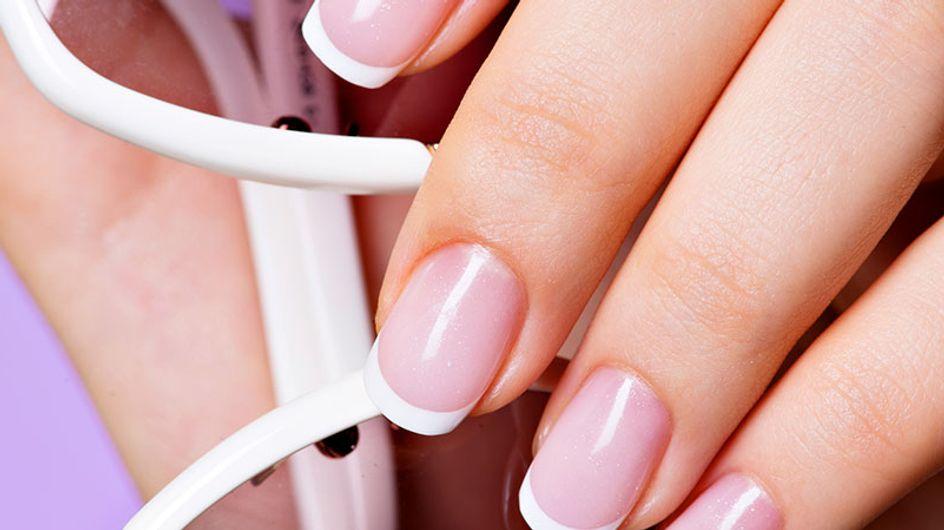 Suas unhas merecem um detox! Aprenda como fazer
