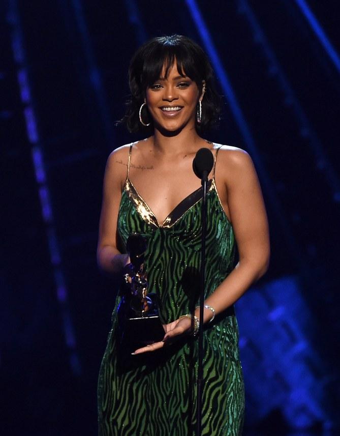 Rihanna s'engage pour l'éducation