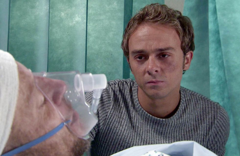 Coronation Street 07/10 - David Has Macca's Life In His Hands