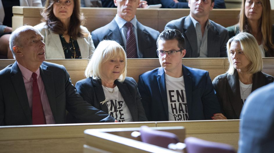Eastenders 07/10 - It's The Day Of The Plea Hearing