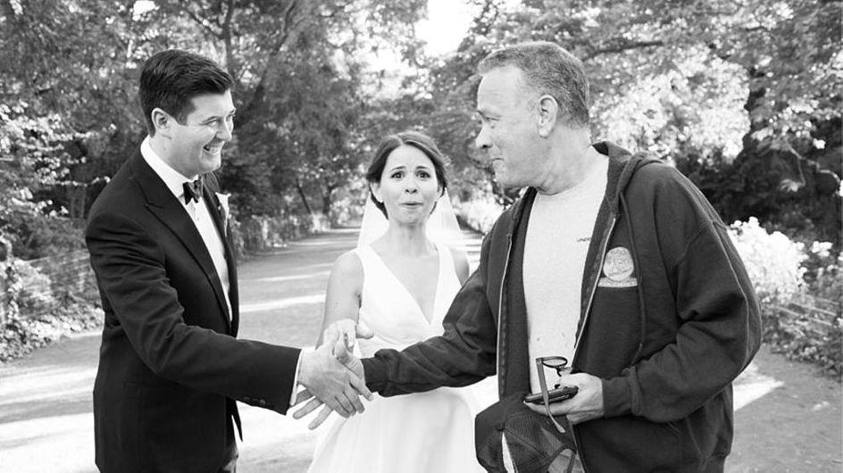 Photobomb der besonderen Art: Plötzlich crashte Tom Hanks ihre Hochzeitsbilder
