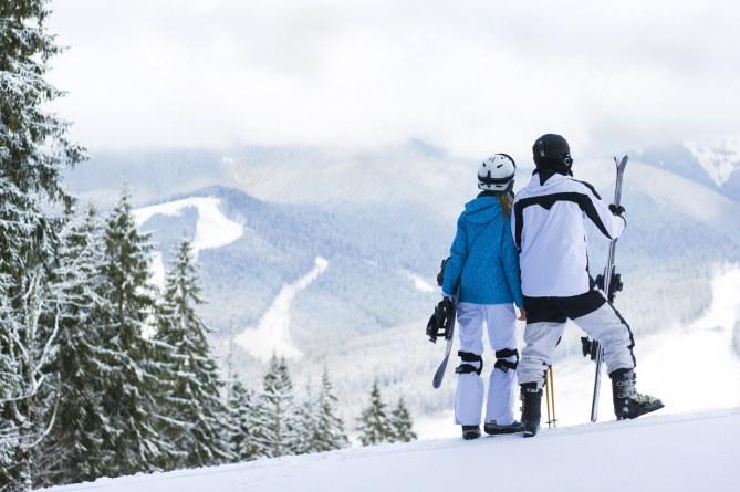 Sport für Paare: Ski- und Snowboardfahren