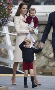 Kate Middleton et sa famille pour leur départ du Canada, le 1er octobre 2016