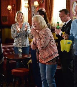 Eastenders 14/10 - It's Pam And Les' Final Day In The Square
