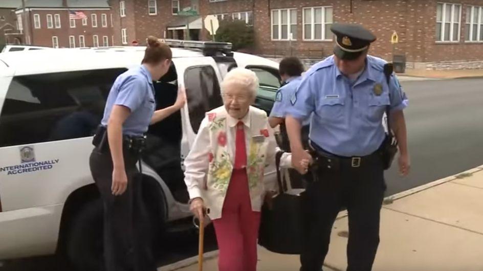 Diese 102-Jährige hatte noch einen großen Wunsch - dann nahm die Polizei sie fest