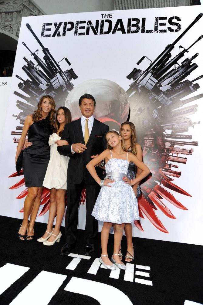 Sylvester Stallone et sa famille à la première de The Expendables