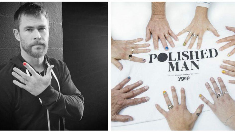 Mettersi lo smalto su un dito della mano: ecco perché tutti gli uomini dovrebbero farlo