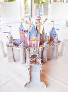 Ce couple a décoré les tables de son mariage avec les thèmes Disney