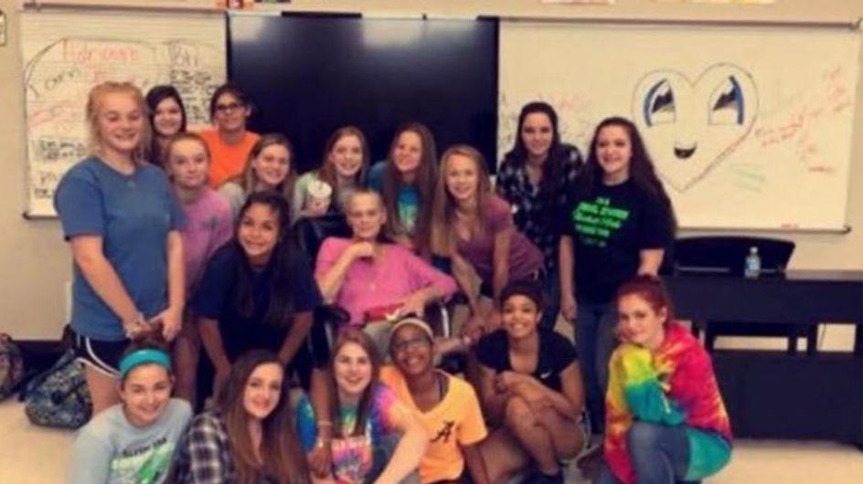 Ces élèves ont réservé la plus belle des surprises à leur professeur de musique atteinte d'un cancer