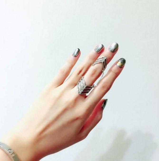 Mirror-Nails auftragen