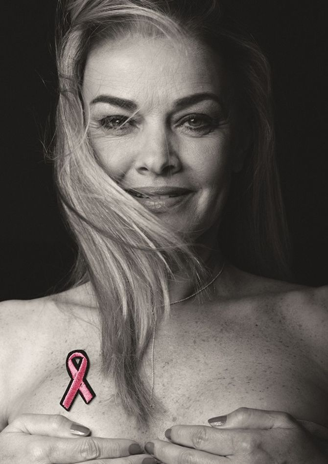 Ensaio da campanha Think Pink, do estilista Tufi Duek e da ONG Unaccam