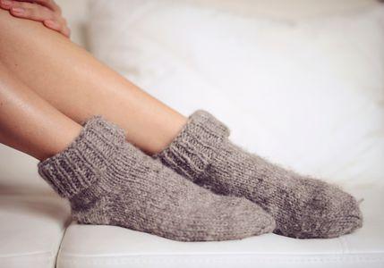 Neurodermitis: Textilien aus Wolle sollte man meiden.