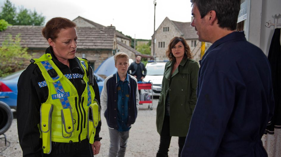 Emmerdale 28/10 - Cain And Charity's Departure Does Not Go To Plan...