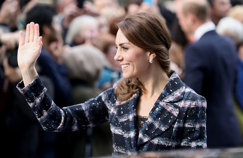 Ce petit manteau de Kate Middleton nous donnerait presque envie d'avoir froid (photos)