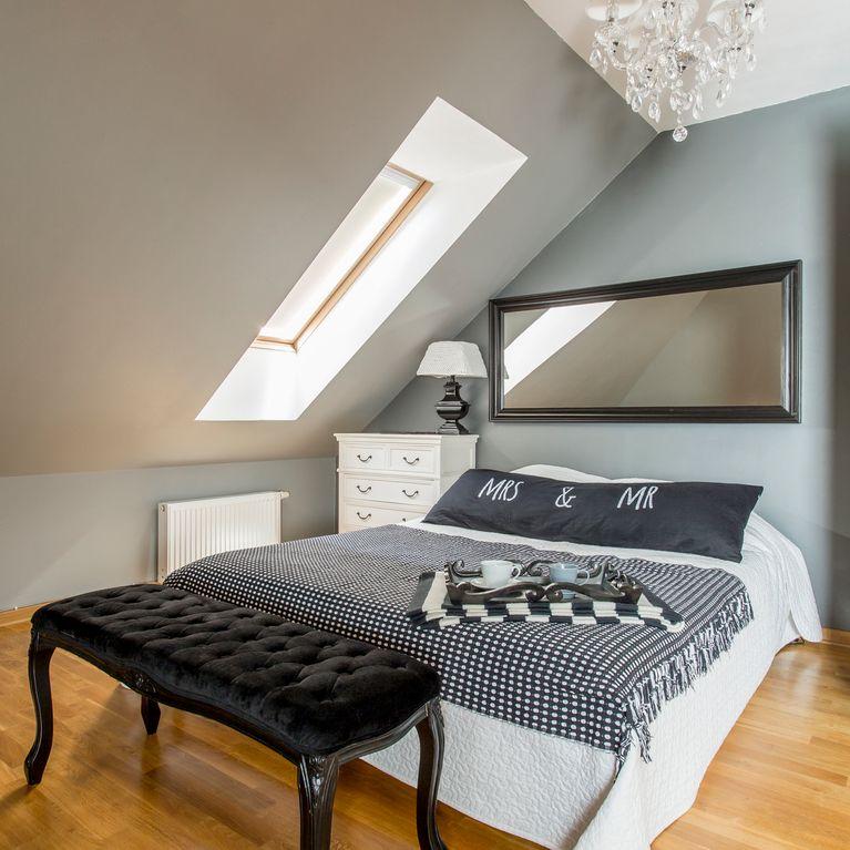 Dachschrägen gestalten: So richtet ihr euer Schlafzimmer ...
