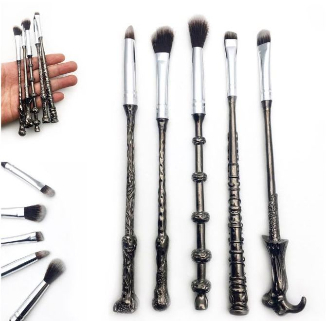 Des Pinceaux Maquillage Inspirés Des Baguettes Magiques Harry Potter