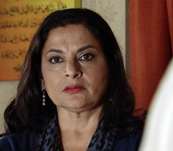 Coronation Street 04/11 - Yasmeen's Party Goes Off With A Bang