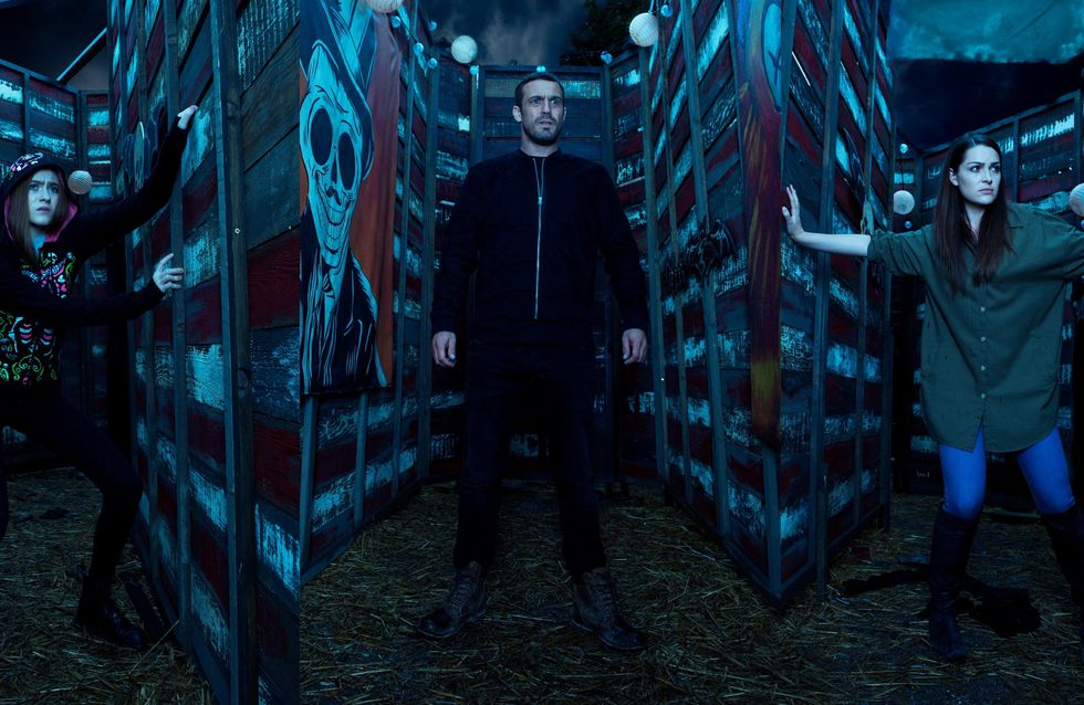 Hollyoaks 01/11 - Nico Heads Into The Maze With Sienna In Pursuit...