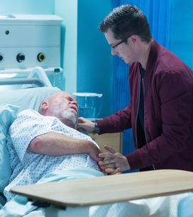 Eastenders 01/11 - Phil Takes A Turn For The Worse