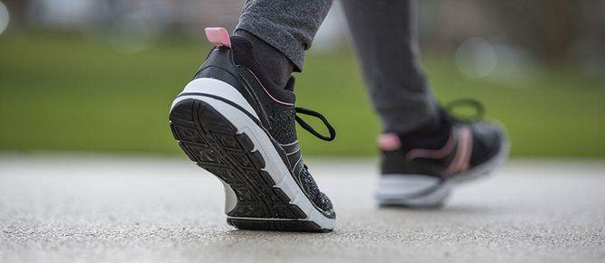 Chaussures Newsfeel, spécialement conçues pour la marche nordique et la marche active, Decathlon