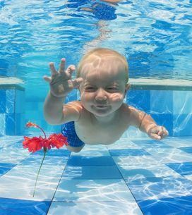 Estimulación acuática en bebés: un chapuzón beneficioso y divertido para ellos y