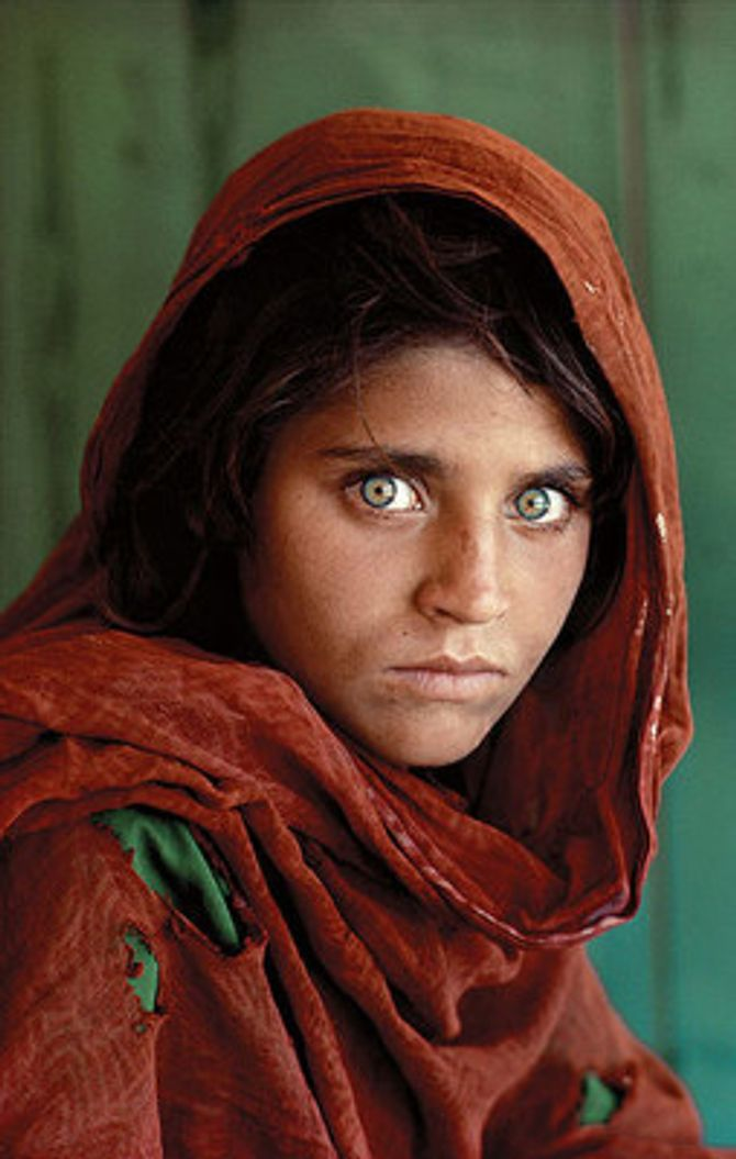 """Sharbat Gula, """"The Afghan Girl"""""""