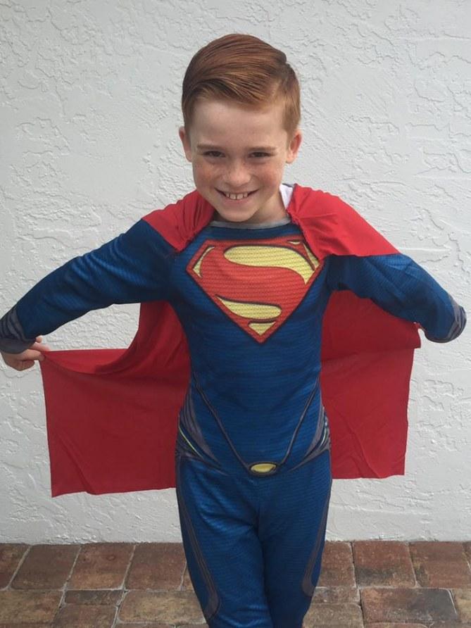 Liam, en Superman