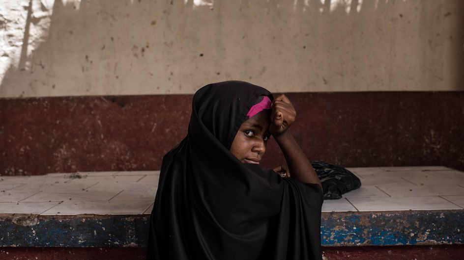 Un policier kényan écope d'une condamnation rare pour le viol d'une adolescente (Vidéo)
