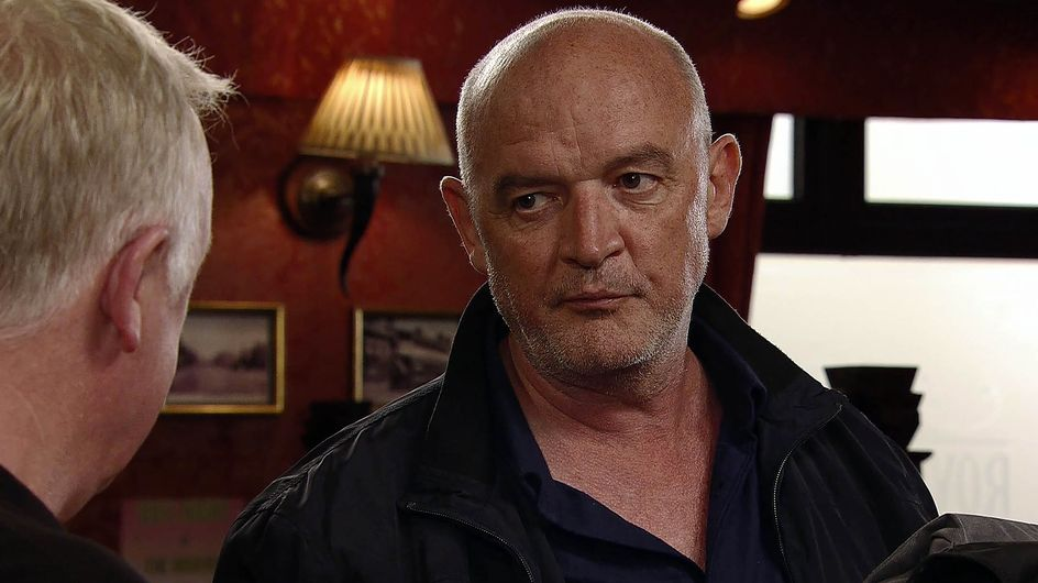 Coronation Street 16/11 - Eileen Stumbles Upon Phelan's Secret