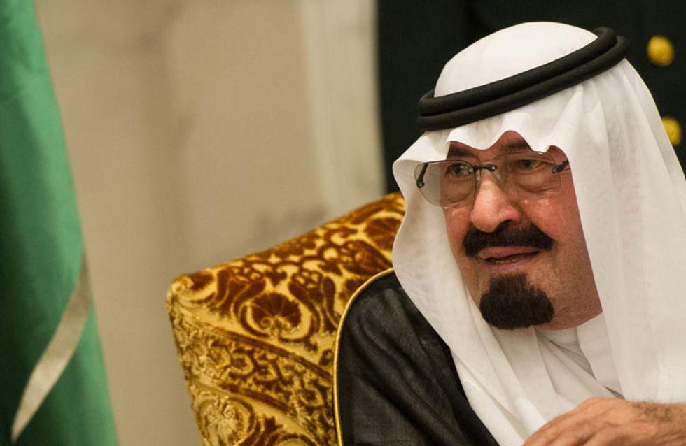 Embajador saudí: ¿Dejar de bombardear Yemen? Es como si me preguntas si dejaría de pegar a mi mujer