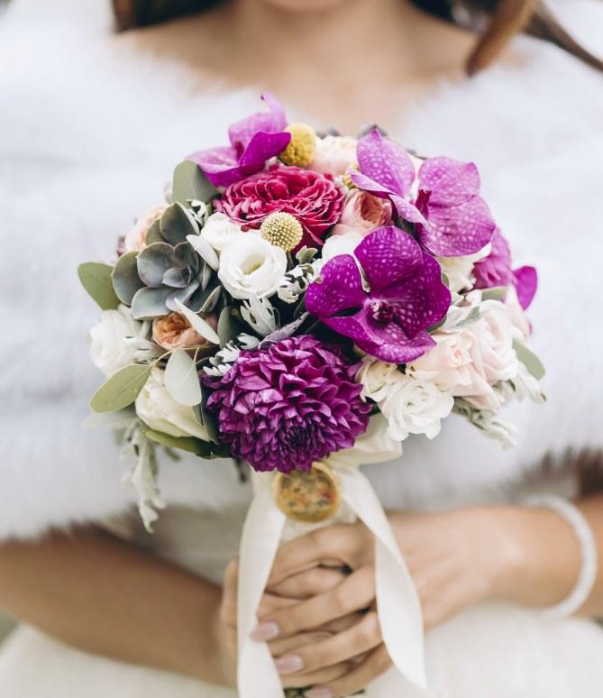Heiraten im Winter: Der passende Brautstrauß