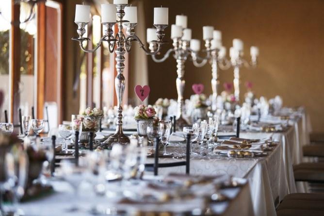 Heiraten im Winter: Kerzendekoration