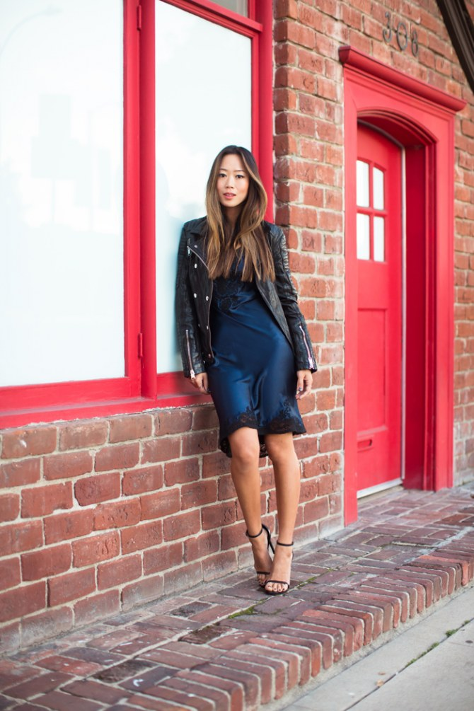 Lingerie Look mit Kleid und Lederjacke
