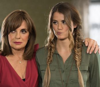 Hollyoaks 22/11 - Marnie Is In The Middle Of Mac And Tabby's Clash