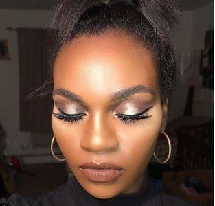 Make-up rose gold