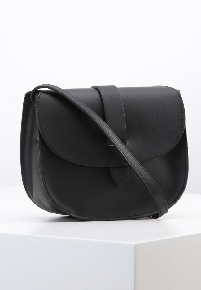 Le sac bandoulière Topshop, 42 euros sur Zalando