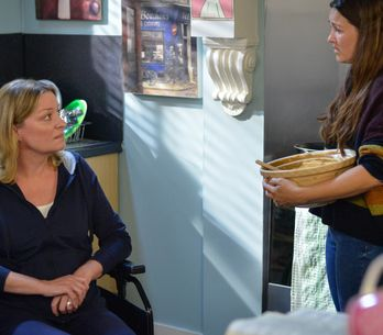Eastenders 29/11 - Jane Opens Up To Stacey